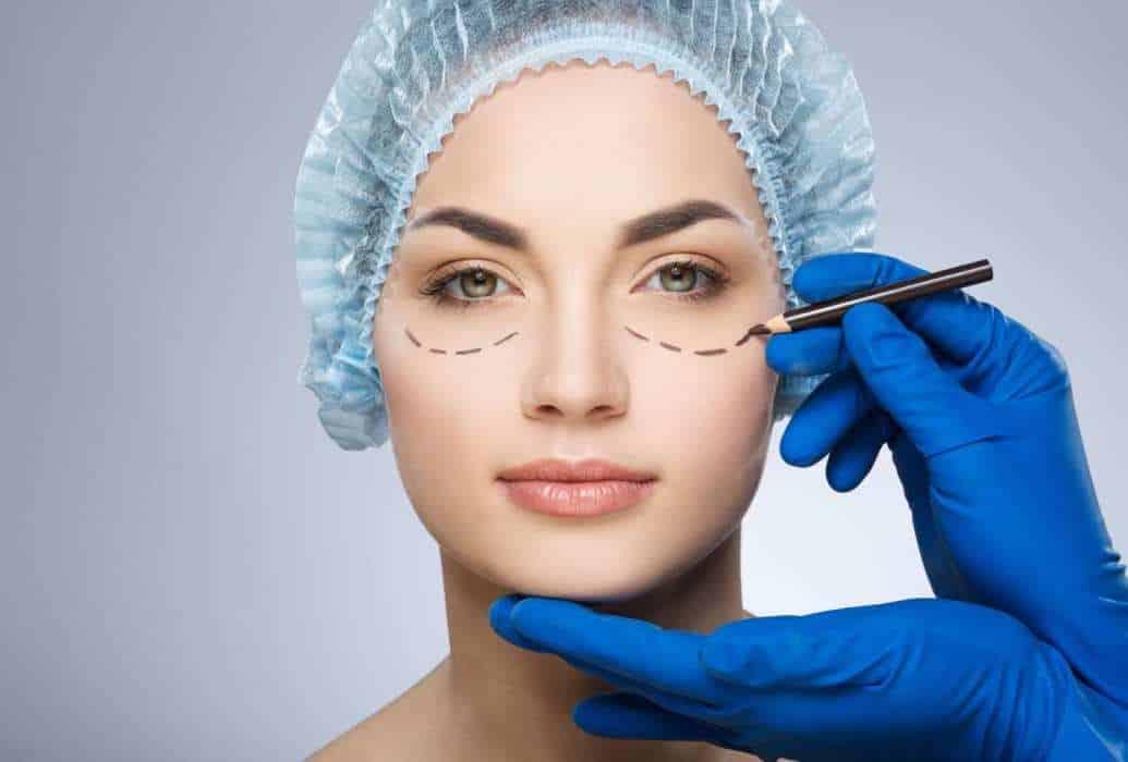 Consulta de Cirugía plástica Felicidad Carrera