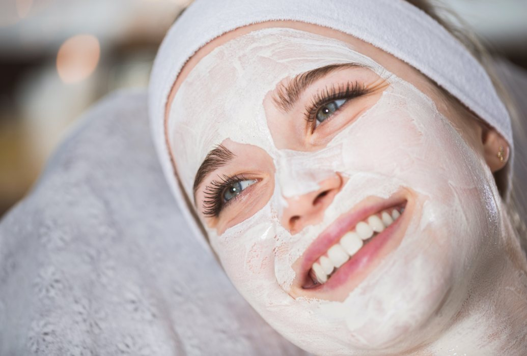 Indicado para pieles con pigmentación irregular, léntigos y melasma