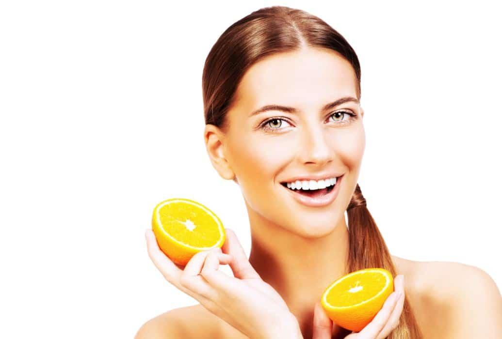 Programa facial que combina tecnología y cosméticos