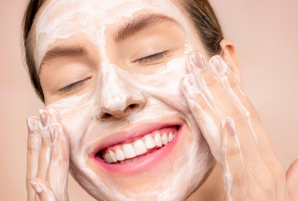 Trataiento que incorpora factores de crecimiento epidérmico que renuevan la piel
