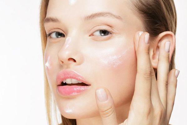 aplicacion-cosmeticos-automasaje-2