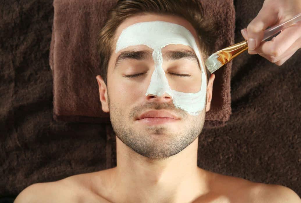 Principales resultados. Reducción o eliminación de secreción sebácea, regenera la piel y unifica el tono